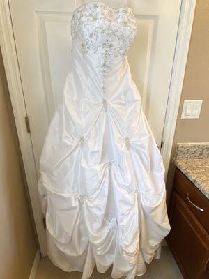 Wedding dress for Sale in Zephyrhills, FL