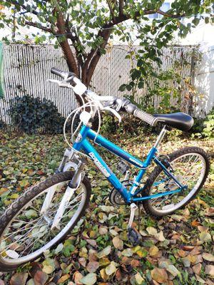 "Roadmaster GranitePeak 24"" Girls Mountain Bike R3013WMD in very good condition for Sale in Staten Island, NY"