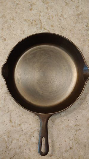 Griswold Small Block logo number 7 cast iron skillet for Sale in Glendale, AZ