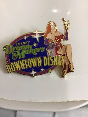 DISNEY DREAM MAKERS DOWNTOWN DISNEY CAST EXCLUSIVE PIN for Sale in Orlando, FL