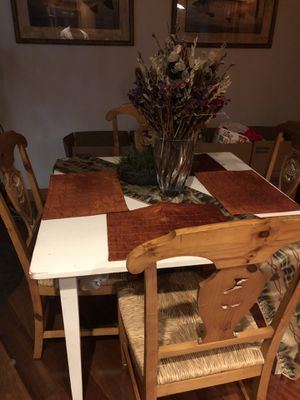 Breakfast table with chairs for Sale in Redmond, WA