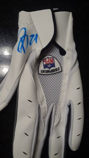 ARIZONA CARDINALS PATRICK PETERSON AUTOGRAPHED OFFICIAL NFL FOOTBALL GLOVE for Sale in Clovis, CA
