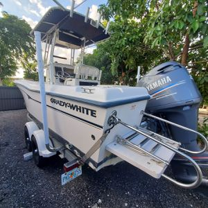 Grady White Boat 2002 CC222 for Sale in Hialeah, FL