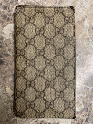 Gucci checkbook wallet for Sale in College Park, GA