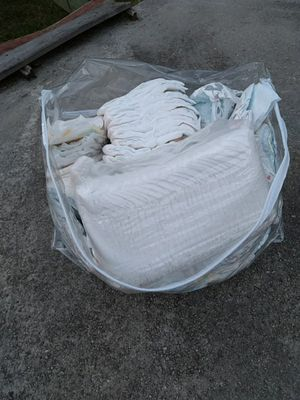 Free Newborn 1,2,&3s diapers for Sale in Charlotte, NC