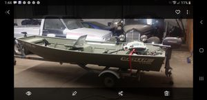 Flatbottom bass boat only used in fresh water boat trailer and motor plus a bunch of extras for Sale in New Haven, CT
