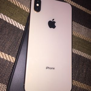Apple IPhone XS Max 256gb for Sale in Agawam, MA