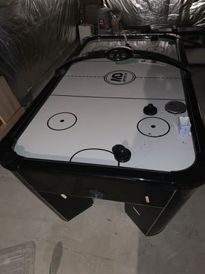 Air Hockey Table for Sale in UPR MARLBORO, MD