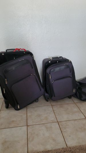 Claiborne Suitcase Set for Sale in Phoenix, AZ
