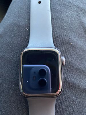 Apple Watch - Series 5 for Sale in El Mirage, AZ