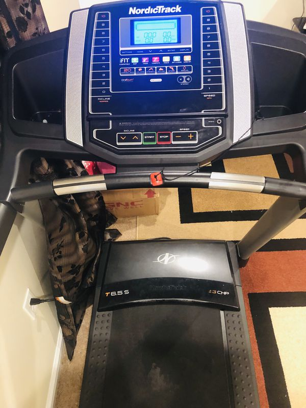 Nordictrack Treadmill originally 1200$ from costco in perfect working condition. Sellinh for 350$