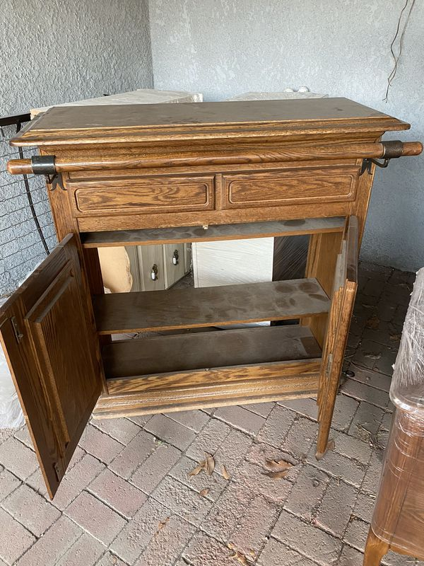 Oak bar and stools