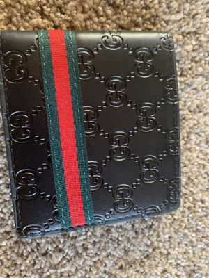 Gucci wallet for Sale in Des Moines, WA