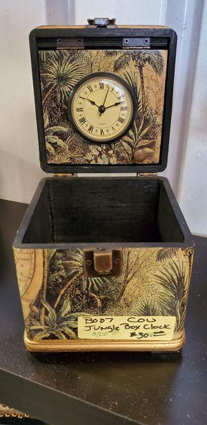 Antique Clock in. Box for Sale in Douglasville, GA