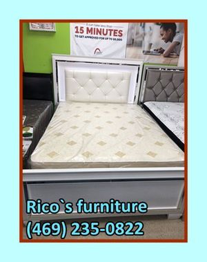New Queen bed with matresses for for Sale in Garland, TX