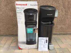 Honeywell Top Fill at Humidifier for Sale in Santa Ana, CA