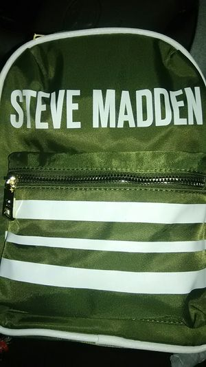 Ladies Steve Madden backpack for Sale in Tacoma, WA