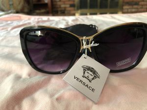Versace, brand new women's sunglasses for Sale in Independence, OH