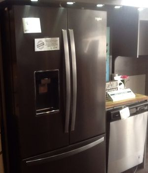 New open box whirlpool refrigerator WRF954CIHV for Sale in Whittier, CA