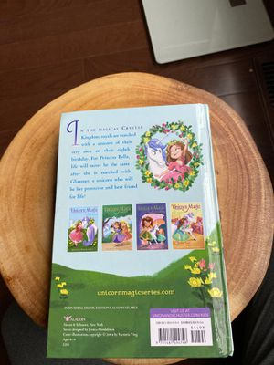 Unicorn magic book 4 in 1 for Sale in Bartlett, IL