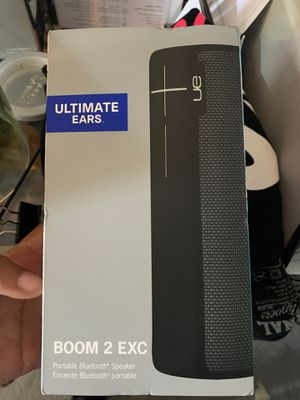 Bluetooth speaker SUPER LOUD for Sale in Columbus, OH