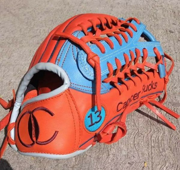 Custom softball gloves