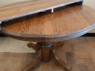 Oak Dining Table for Sale in Saint Charles,  MO