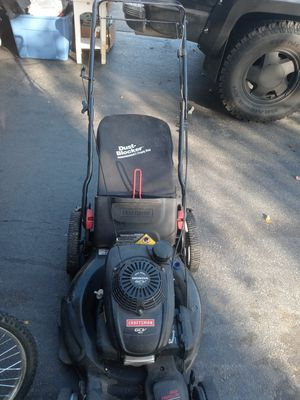 CRAFTSMAN SELF PROPELLED HONDA LAWN MOWER WITH DUST BAG. for Sale in Whitehall, OH