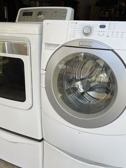 Electric Washer Matag & Gas Dryer Samsung for Sale in Modesto,  CA