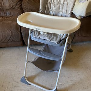Kids High chair for Sale in Surprise, AZ