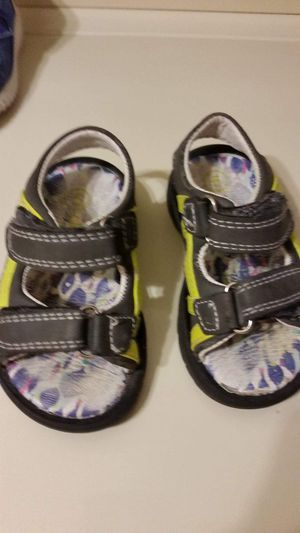 Target toddler sandals size 5 for Sale in Largo, FL
