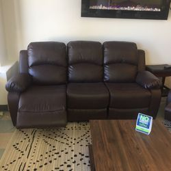 Reclining Set (Sofa And Loveseat) for Sale in Glendale Heights,  IL