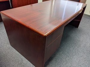 Lunstead Heavy Duty Office Desk (72*36*30)in for Sale in Westminster, CA