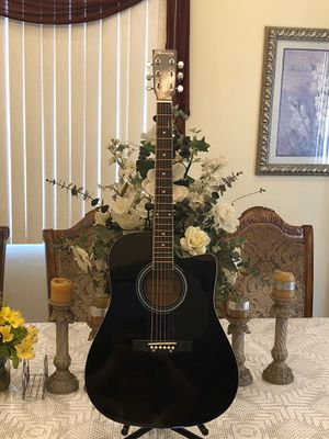 Huntington electric acoustic guitar for Sale in Cudahy, CA