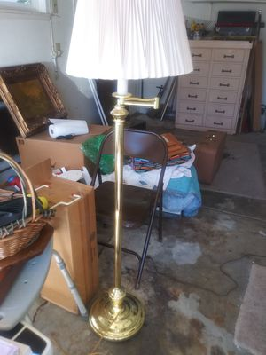 Gold floor lamp for Sale in Menifee, CA
