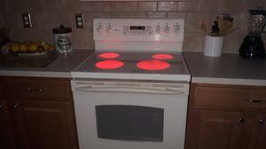 Matching Set: GE Range and GE Microwave for Sale in Orange Park, FL
