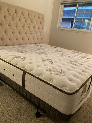 King size Bedding set includes Headbord, Luxury mattress+ base for Sale in Redwood City, CA