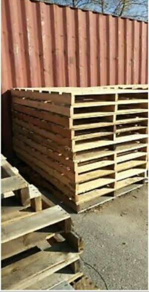 STANDARD SIZED AND OVER SIZED PALLETS for Sale in Winston-Salem, NC