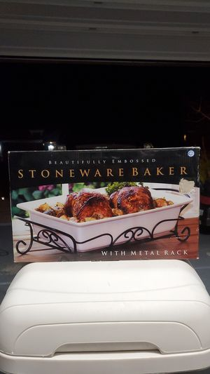 Stoneware Baker with Metal Rack for Sale in Las Vegas, NV