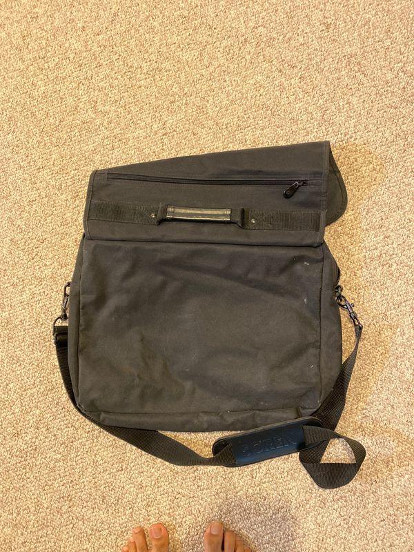 Laptop bag $5