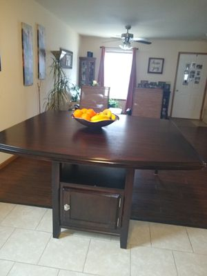 Counter height table. Also has a leaf. No chairs for Sale in Union, MO
