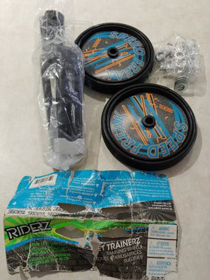 New Riderz Street Trainer Training Wheels for Sale in Lehigh Acres, FL