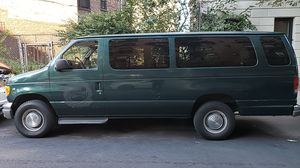2001 Ford E-350 super duty 100.000 miles for Sale in New York, NY