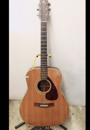 acoustic guitar Yamaha fg-200 vintage for Sale in Columbus, OH