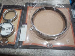 HARLEY DAVIDSON TURN SIGNAL TRIM RING & HEADLAMP TRIM RING//CHROME for Sale in Fresno, CA