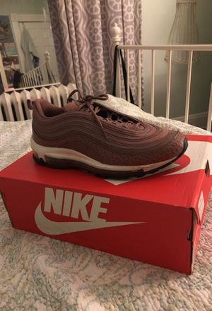 $65 WOMEN'S NIKE AIR MAX GOOD CONDITION WORN TWICE SIZE 10 for Sale in Baltimore, MD