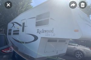 Rockwood 5th wheel M2160 for Sale in Albuquerque, NM