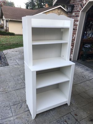 Baby Changing table, with removable book shelf upper portion. for Sale in Tacoma, WA
