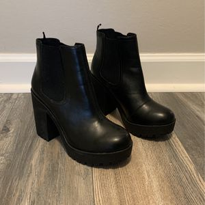 Women's H&M Ankle Boots Size 37 (6.5) for Sale in Roseville, MI