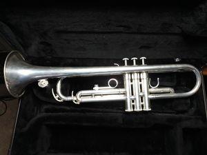 Yamaha ytr2330 Bb trumpet for Sale in Glendale, AZ